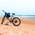 Bicicleta na praia. Foto: Laila Guedes