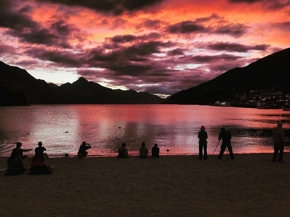 Lago vermelho.